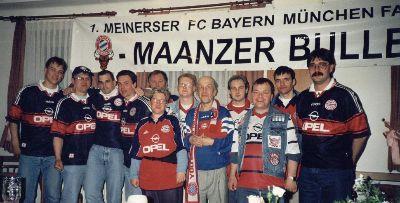 Gruppenfoto mit den Tigers Wolfsburg von 1996