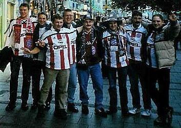 Gruppenfoto auf dem Weg ins Olympia Stadion